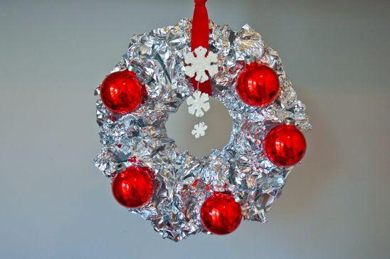 Potholes pantyhose diy vintage aluminum foil wreath